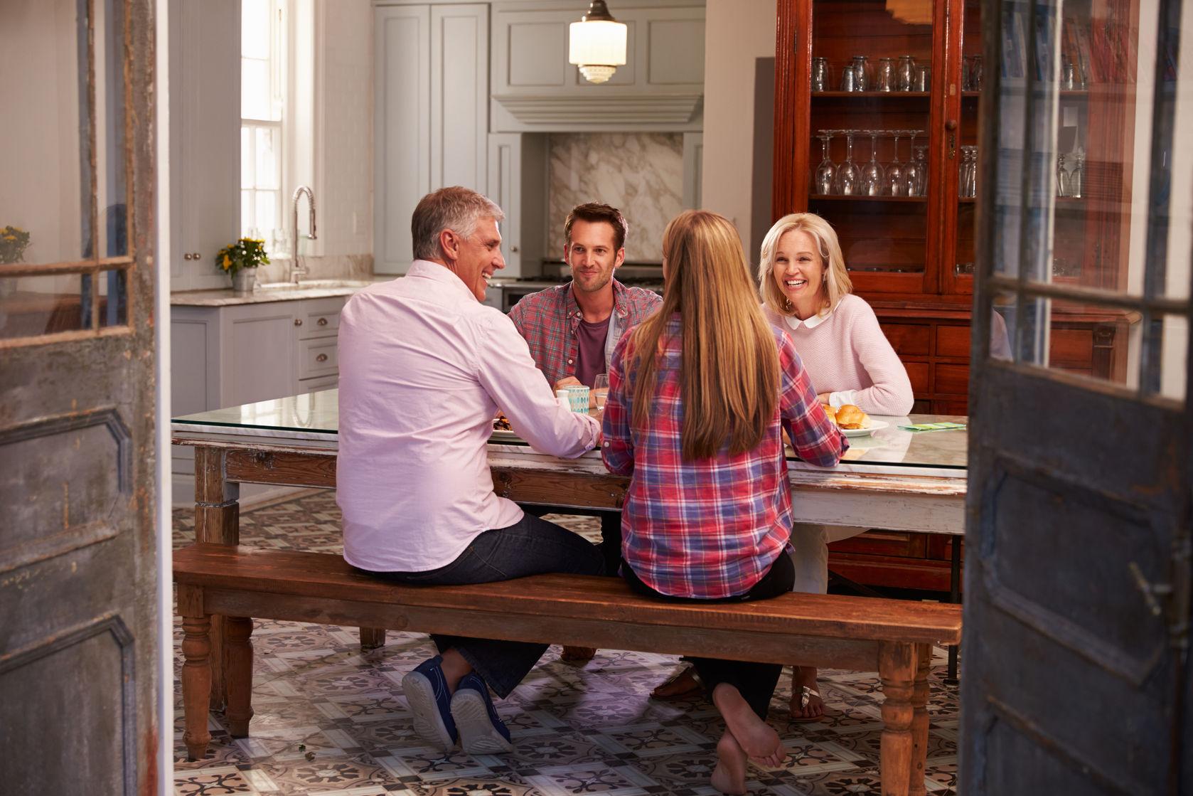 ERLA Mietwohnung mit glücklicher Familie